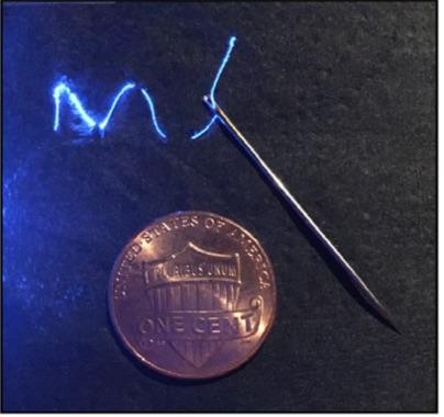 Immagine di comparazione della fibra connessa ad una sorgente ottica