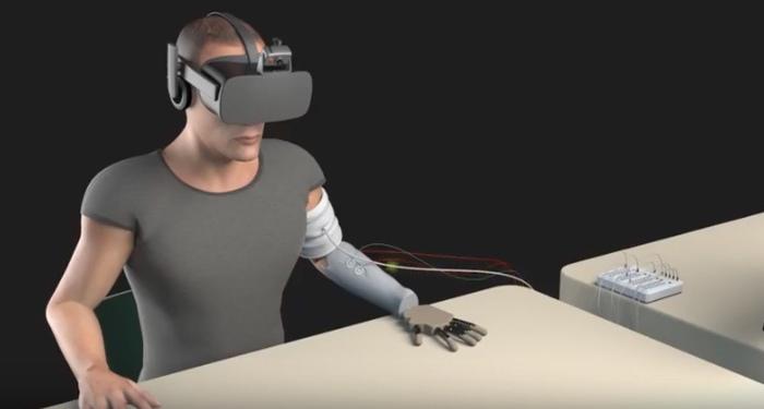 Mano robotica realtà virtuale