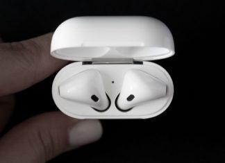 Nuovo brevetto Apple: auricolari universali, simmetrici e biometrici