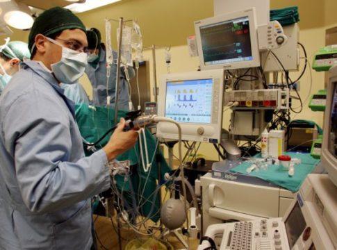 Padova: tumore asportato senza aprire il torace grazie al sistema AngioVac