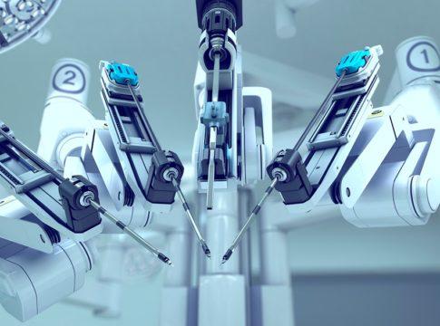Marche: primo intervento di asportazione della vescica con tecnica robotica