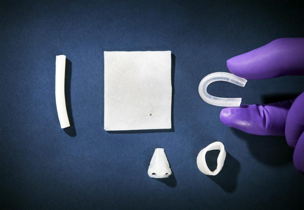 Nuovo materiale nanostrutturato potrebbe sostituire il tessuto umano. Credit: Anna Lena Lundqvist/Chalmers