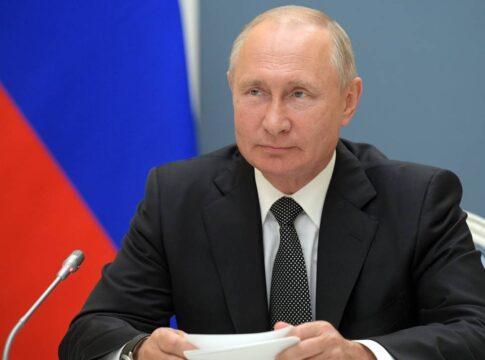 Covid19, Russia registra il primo vaccino: prima dose alla figlia di Putin