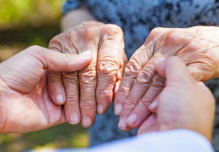 Un pacemaker per il morbo di Parkinson: AlphaDBS approvato dall'UE
