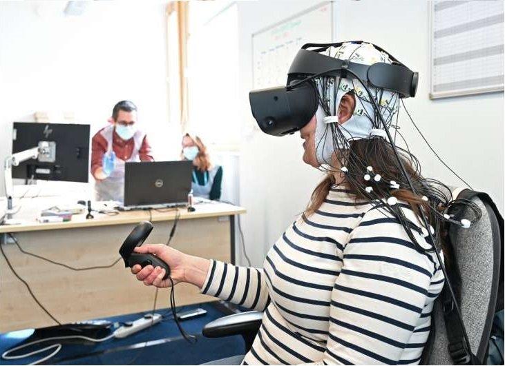 Trattare i sintomi del dolore cronico con la realtà virtuale. Credits: University of East Anglia