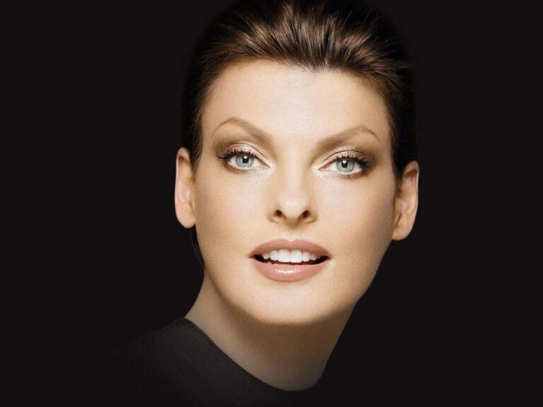 """Criolipolisi: che cos'è il trattamento che ha """"sfigurato"""" la top model Linda Evangelista"""