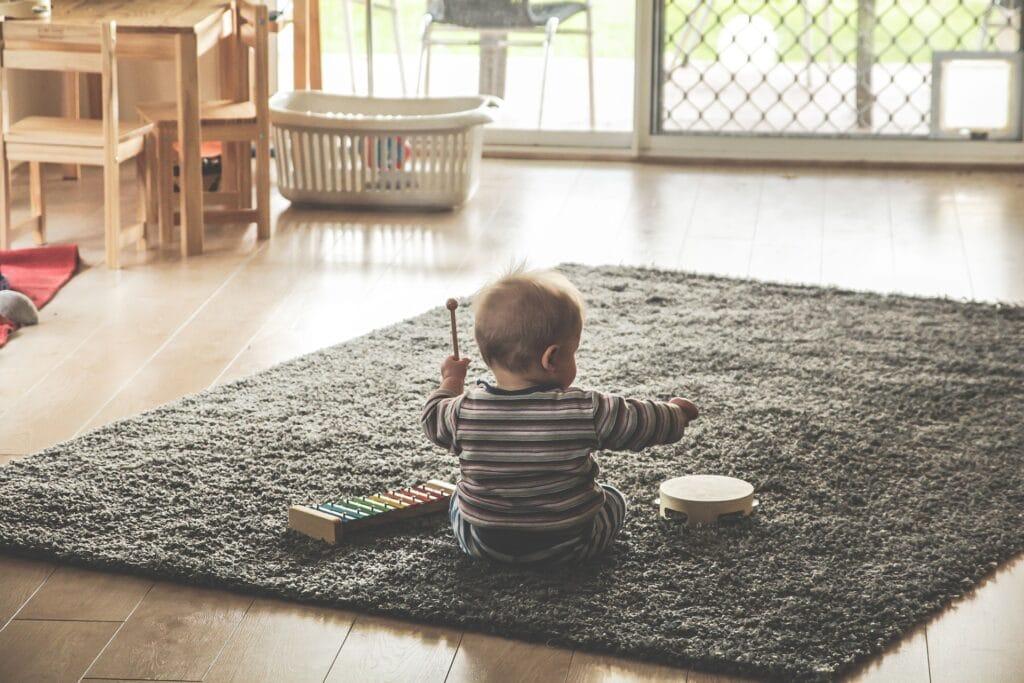 I bambini con disabilità visive preferiscono il tatto all'udito