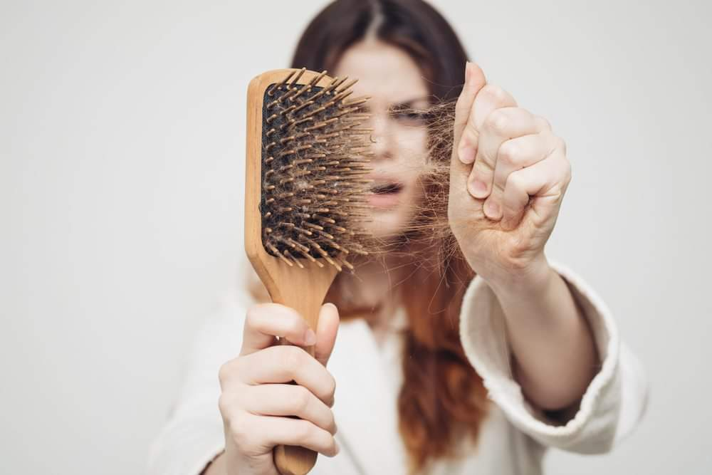 Caduta dei capelli donna